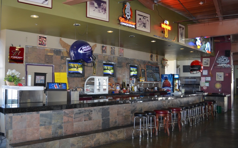 Hangar 40 Sports Bar and Cafe